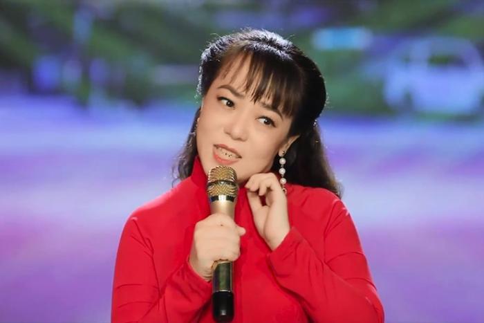 Elly Trần 'nổi đóa' khi anti-fan thiếu tôn trọng nghệ sĩ đã khuất
