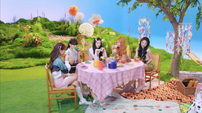 Red Velvet rần rần trở lại với Queendom: Fan chính thức có thêm 'thần chú' mới sau 1 năm 8 tháng chờ đợi