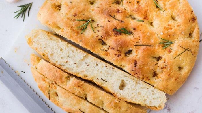 Ngán Pizza truyền thống, học Tóc Tiên cách làm bánh mì Ý vừa ngon vừa không béo Ảnh 5
