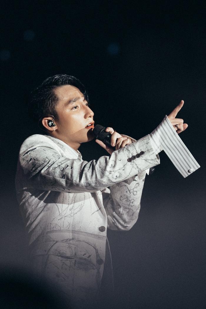 Sơn Tùng liệu sẽ trở thành nghệ sĩ Việt Nam đầu tiên đạt nút Kim cương Youtube?