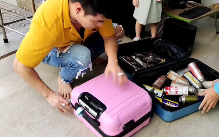 Lê Dương Bảo Lâm 'tay xách nách mang' cả gia đình lên Sapa du lịch, sự thật khiến dân mạng 'bật ngửa'