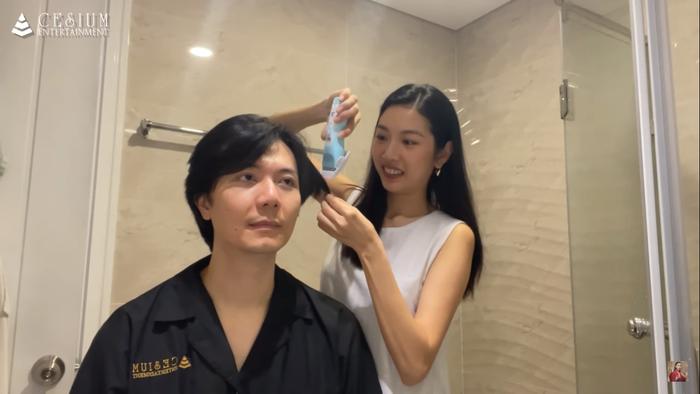 Á hậu Thúy Vân được khen hết lời khi cắt tóc cho chồng cực đẹp trong mùa dịch Ảnh 3