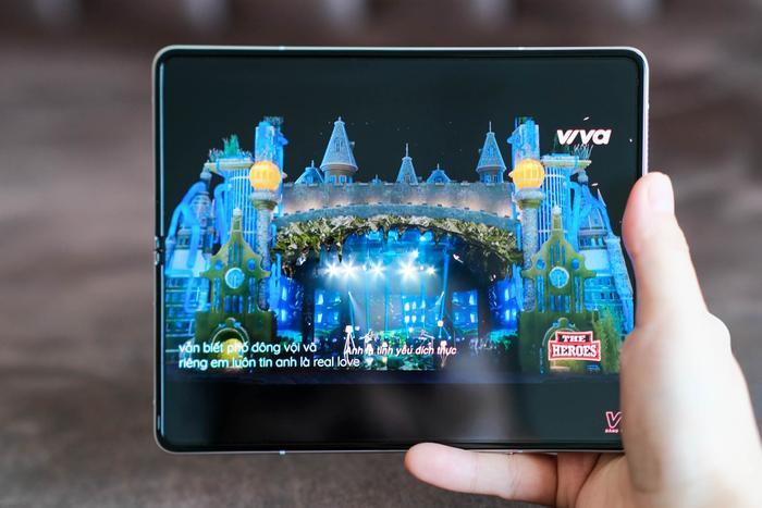 Trên tay Samsung Galaxy Z Fold3 5G và Z Flip3 5G: Ấn tượng từ thiết kế đến cấu hình! Ảnh 5