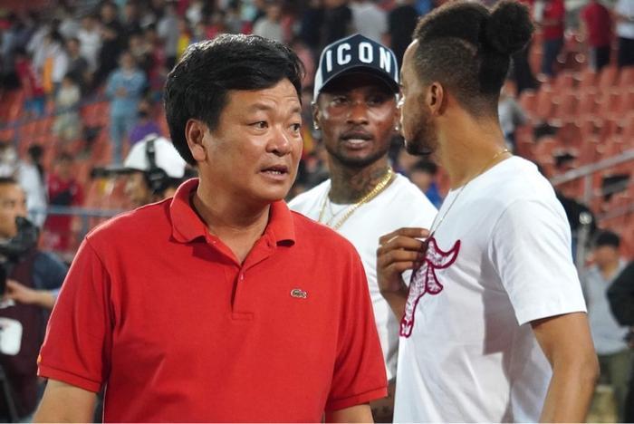 VPF và Chủ tịch CLB Hải Phòng: Ai làm ảnh hưởng xấu đến hình ảnh bóng đá Việt Nam? Ảnh 1