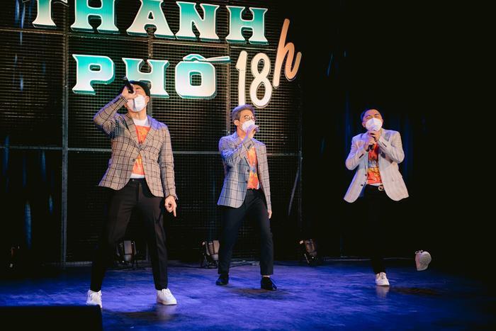 Từ sáng tác của Lê Minh (MTV), dàn nghệ sĩ cùng hợp lực thực hiện dự án âm nhạc an ủi tâm hồn mùa dịch Ảnh 2