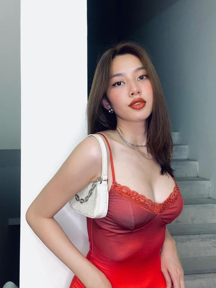 Miss Grand Vietnam Thùy Tiên khiến ai cũng bất ngờ khi tự makeup đẹp khó tin Ảnh 6