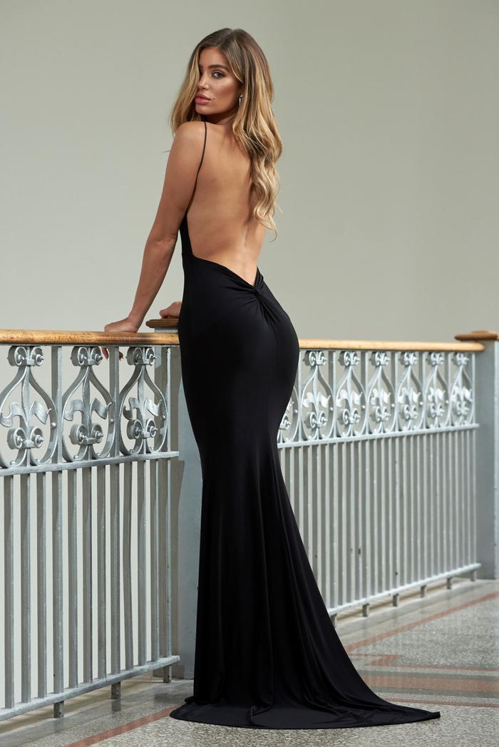 Cách chọn áo bra 'không trượt phát nào' cho 7 kiểu váy khó nhằn nhất Ảnh 4