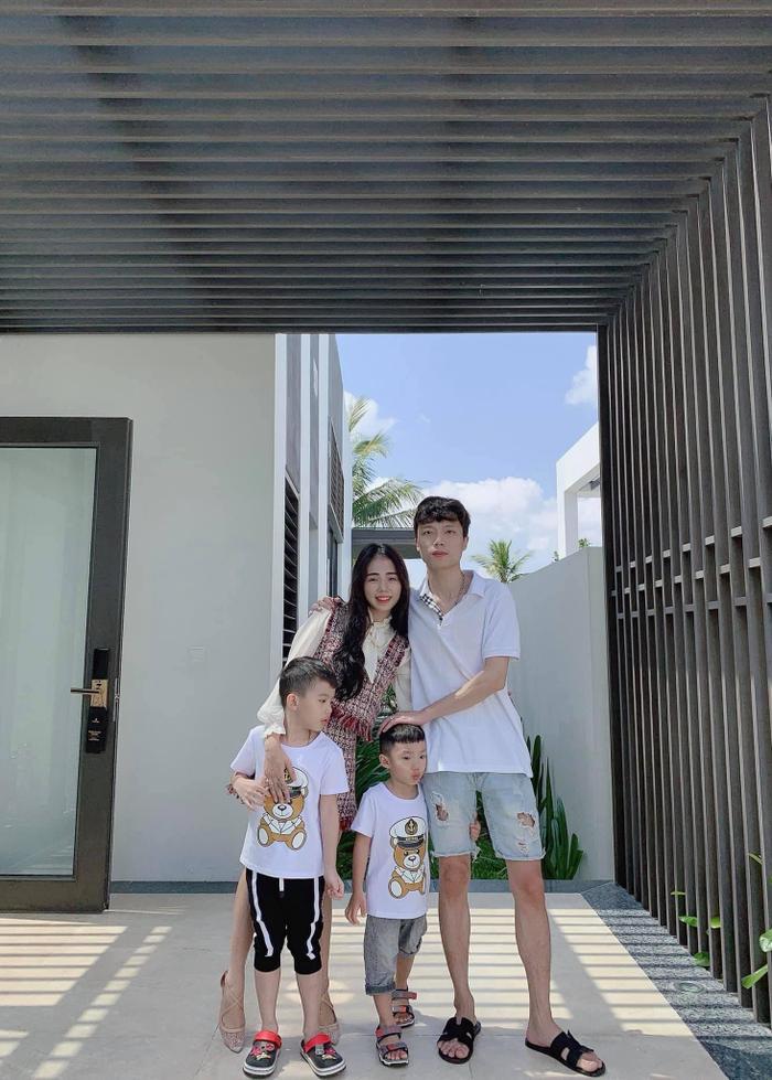 Hương Ly kể chuyện được bố mẹ chồng và ông xã cưng chiều ở mùa dịch, thích một ngôi sao ĐTVN Ảnh 3