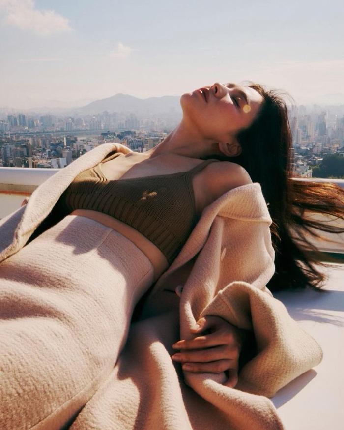 Fan dậy sóng tiếc nuối loạt ảnh bị loại bỏ của Song Hye Kyo trên tạp chí thời trang danh tiếng Ảnh 6