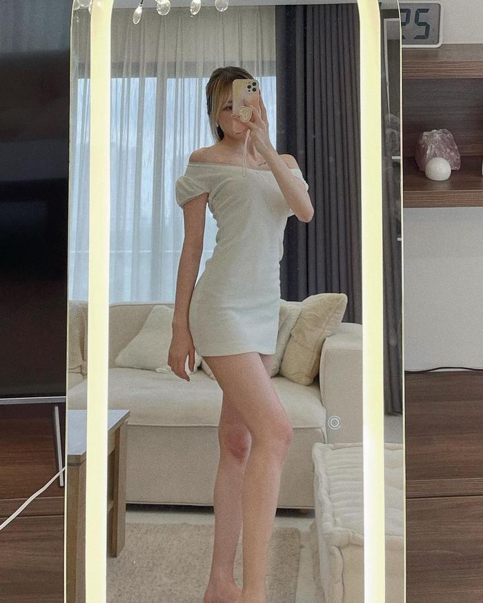 Thiều Bảo Trâm diện váy ôm viết cap yêu đương, fan ùa vào 'thả tim' tới tấp Ảnh 2