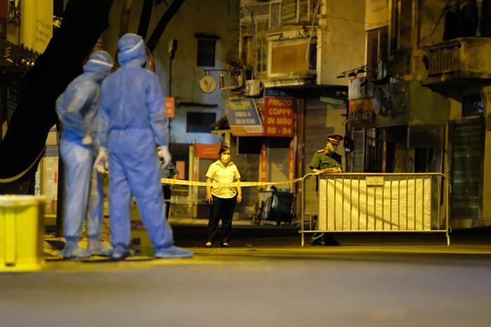 Chiều 26/8: Hà Nội thêm 33 ca dương tính mới với SARS-CoV-2, trong đó quận Thanh Xuân 25 ca Ảnh 1