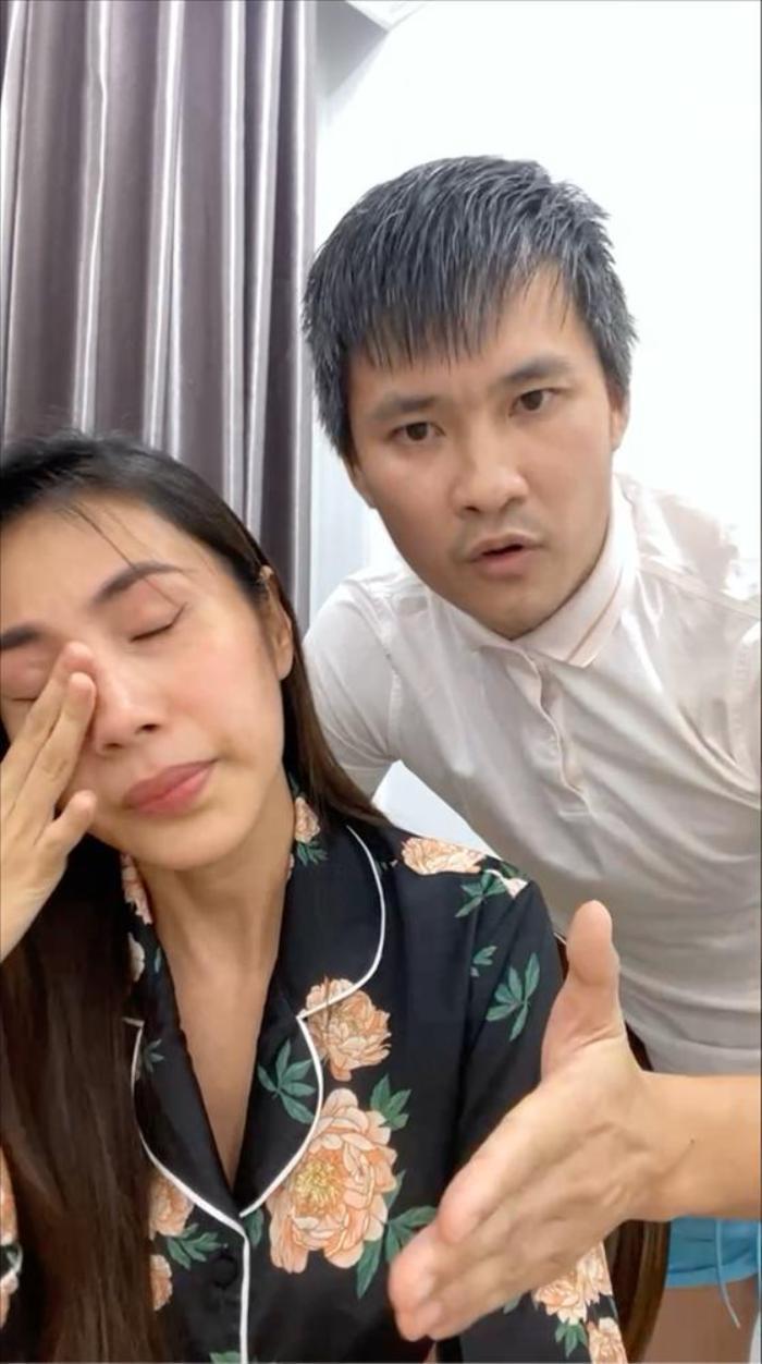 Thủy Tiên livestream khóc nức nở, ai dè netizen chỉ đi soi điều không ai ngờ tới Ảnh 2