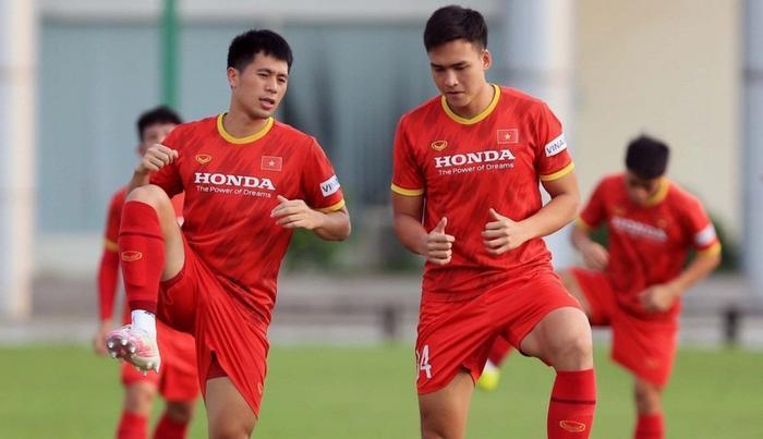 HLV Park Hang Seo gạch tên 6 cầu thủ, chốt danh sách tuyển Việt Nam sang Saudi Arabia Ảnh 1