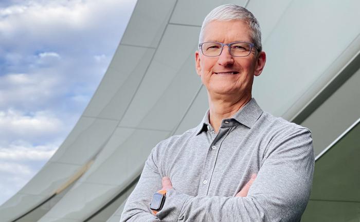 CEO Tim Cook nhận khoản tiền thưởng khổng lồ từ Apple Ảnh 1
