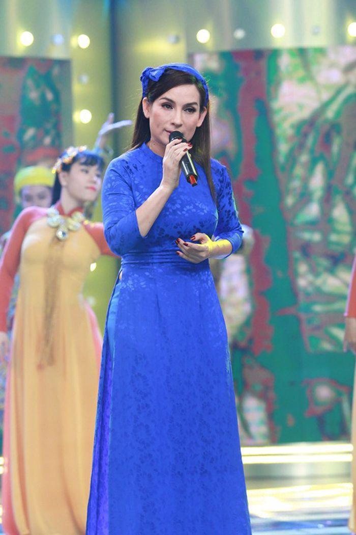Không còn mỉa mai, netizen tràn vào clip hát live động viên Phi Nhung vượt qua bệnh COVID-19