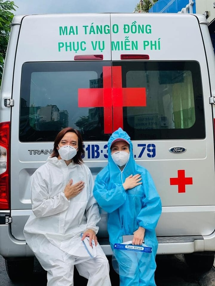 Xúc động câu chuyện vợ chồng Việt Hương giúp Phi Nhung chuyển viện giữa đêm Ảnh 2