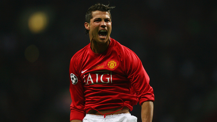 NÓNG: MU bất ngờ nhảy vào tranh Ronaldo với Man City Ảnh 2