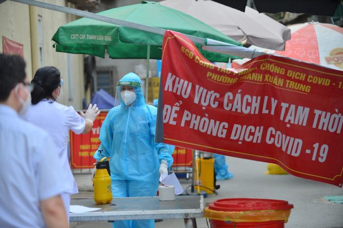Hà Nội: Tạm thời dừng hoạt động chợ Ngọc Hà do liên quan ca mắc Covid-19 Ảnh 1