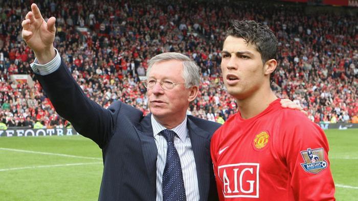 Ronaldo trở lại MU và diễn biến cuộc lật kèo kinh điển Ảnh 1