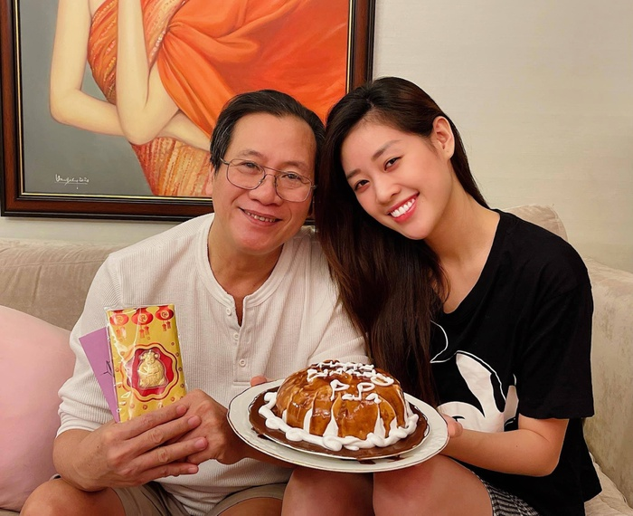 Sinh nhật ba, Hoa hậu Khánh Vân làm tặng bánh kem kèm lời nhắn ngọt ngào Ảnh 4