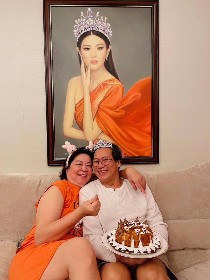 Sinh nhật ba, Hoa hậu Khánh Vân làm tặng bánh kem kèm lời nhắn ngọt ngào Ảnh 7