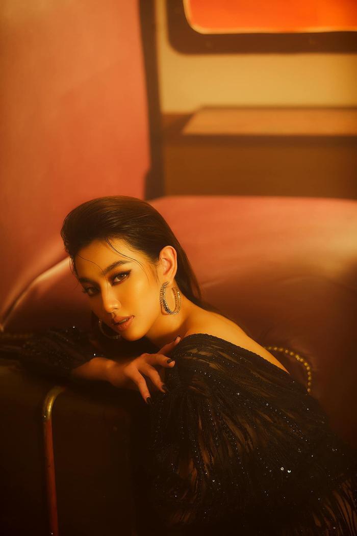 Nguyễn Thúc Thùy Tiên đãi mắt fans loạt ảnh đẹp ná thở, đúng chuẩn beauty queen Ảnh 7
