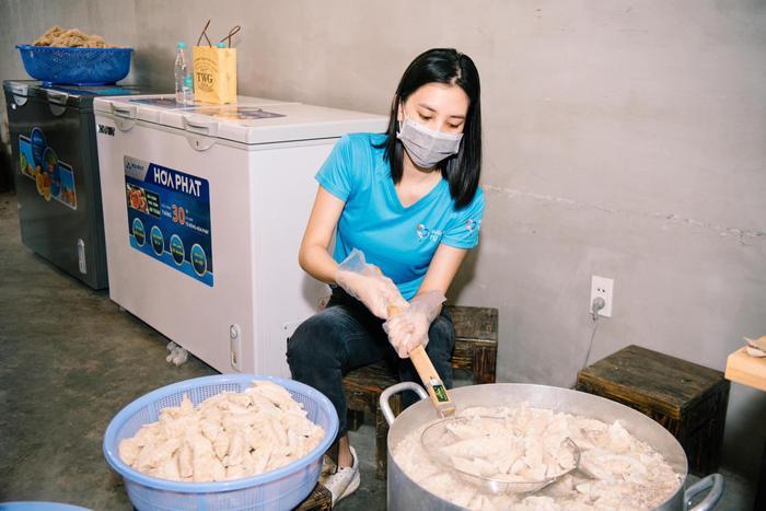 Hoa hậu Tiểu Vy, Mỹ Linh, Lương Thùy Linh, Đỗ Hà hỗ trợ việc làm cho F0 khỏi bệnh Ảnh 7