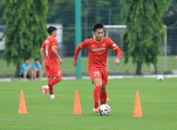 Tuyển Việt Nam bị FIFA trừ nhiều điểm sau trận thua Úc