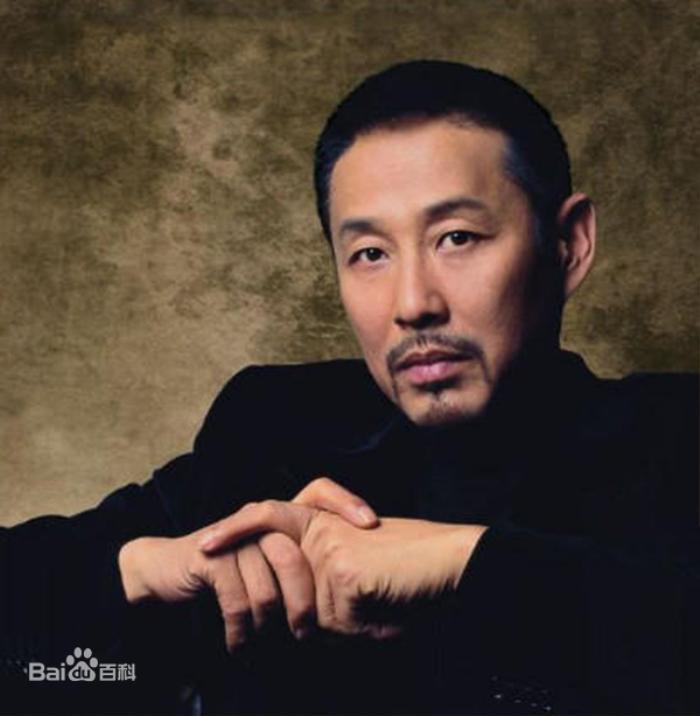 Trần Đạo Minh phê bình diễn viên lưu lượng, Tiêu Chiến 'nằm không trúng đạn' khi bị dân mạng réo tên