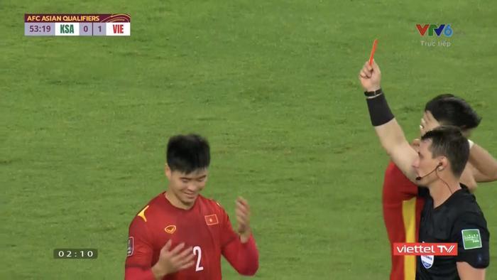 HLV Park Hang Seo bất bình với BHL Saudi Arabia sau tình huống Duy Mạnh nhận thẻ đỏ Ảnh 2