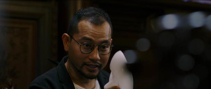 Ưng Hoàng Phúc phát điên, Thu Thủy hóa người tình của ông trùm trong phim tâm lý tội phạm 'Sói già' Ảnh 6