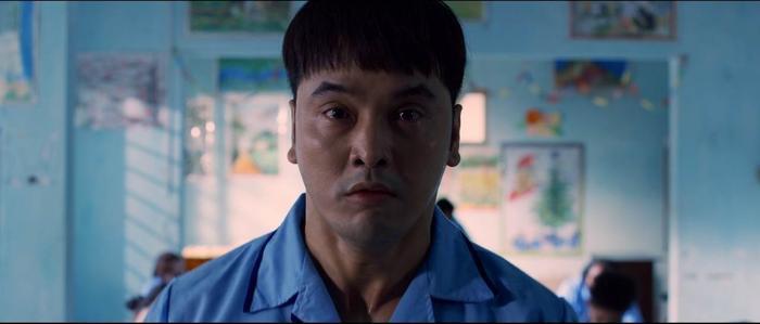 Ưng Hoàng Phúc phát điên, Thu Thủy hóa người tình của ông trùm trong phim tâm lý tội phạm 'Sói già' Ảnh 2