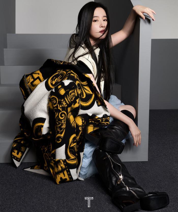 Lưu Diệc Phi mang high fashion xuất hiện trên tạp chí T số Kim Cửu Ảnh 5