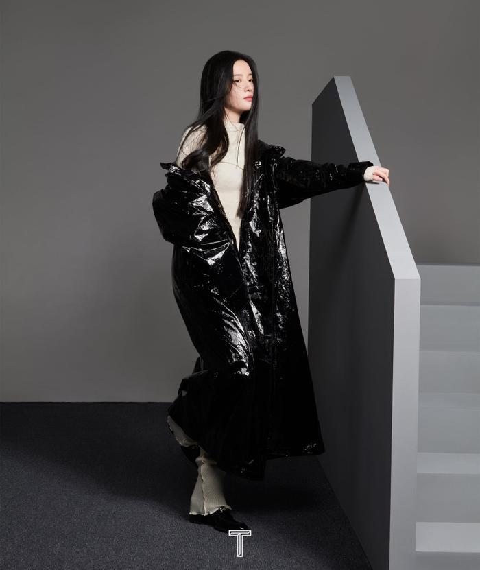 Lưu Diệc Phi mang high fashion xuất hiện trên tạp chí T số Kim Cửu Ảnh 3