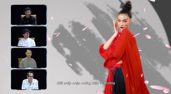 Lona thay tận 4 trang phục trong MV 'lạ mà quen' khiến Master Nguyễn Hải Phong 'nổi da gà'