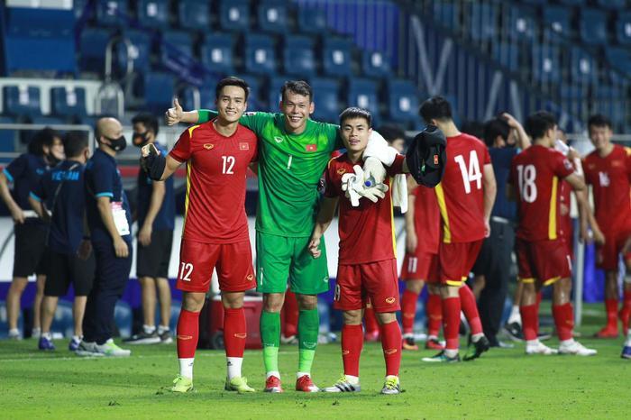 Ngắm body 'hút mắt' của dàn tuyển thủ chuẩn 'soái ca' cao hơn 1m80 của đội tuyển Việt Nam đá trận tối nay Ảnh 19