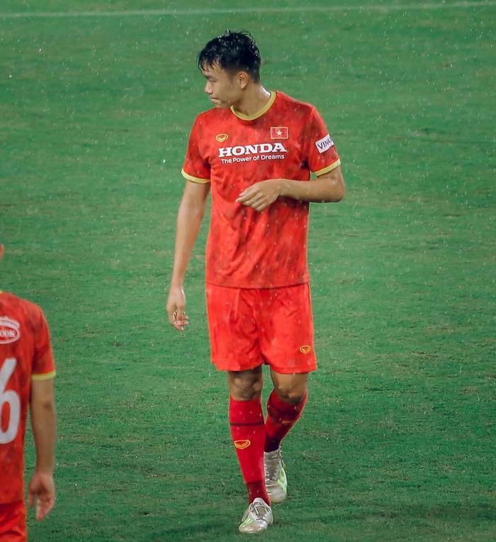 Ngắm body 'hút mắt' của dàn tuyển thủ chuẩn 'soái ca' cao hơn 1m80 của đội tuyển Việt Nam đá trận tối nay Ảnh 11