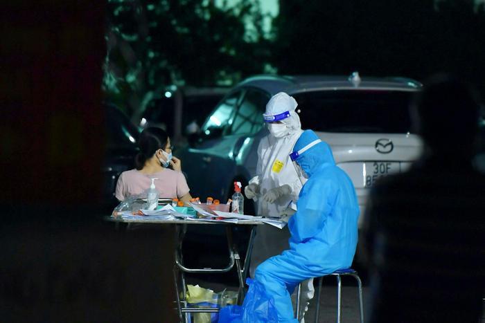 Chiều 7/9: Hà Nội thêm 5 ca dương tính mới với SARS-CoV-2, trong đó có 2 ca cộng đồng cùng trong gia đình Ảnh 1