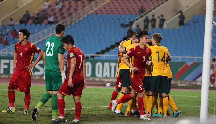 Không dễ chơi như Trung Quốc, tuyển Việt Nam làm khó Úc Ảnh 6
