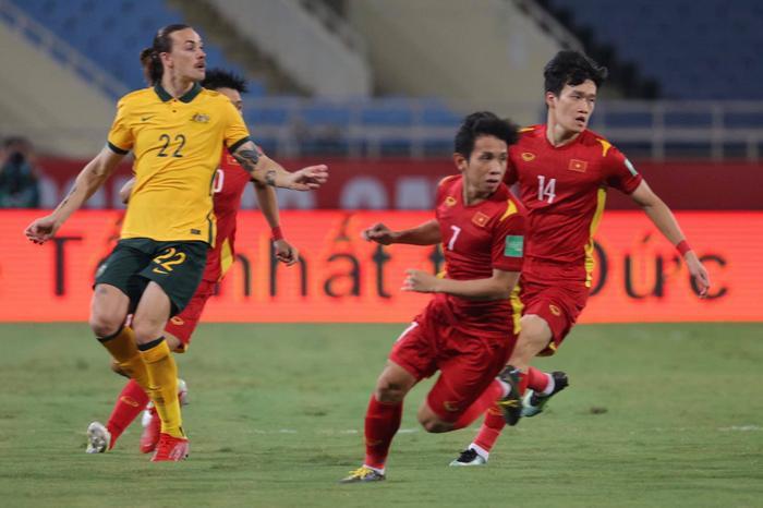 Không dễ chơi như Trung Quốc, tuyển Việt Nam làm khó Úc Ảnh 4