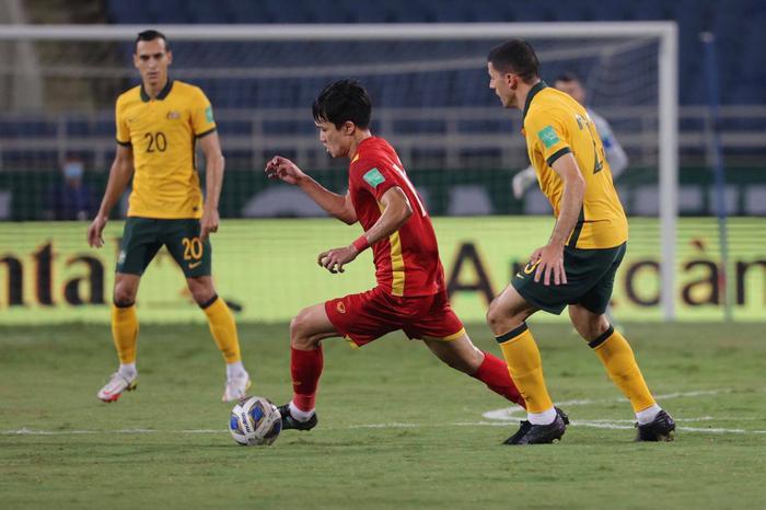 Không dễ chơi như Trung Quốc, tuyển Việt Nam làm khó Úc Ảnh 9