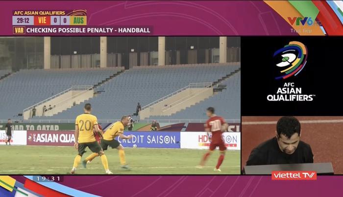 Sau tuyên bố đá cho tuyển Việt Nam tồi tệ, HLV Úc ngượng nghịu nói thắng không dễ dàng Ảnh 2