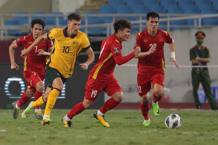 Sau tuyên bố đá cho tuyển Việt Nam tồi tệ, HLV Úc ngượng nghịu nói thắng không dễ dàng Ảnh 1