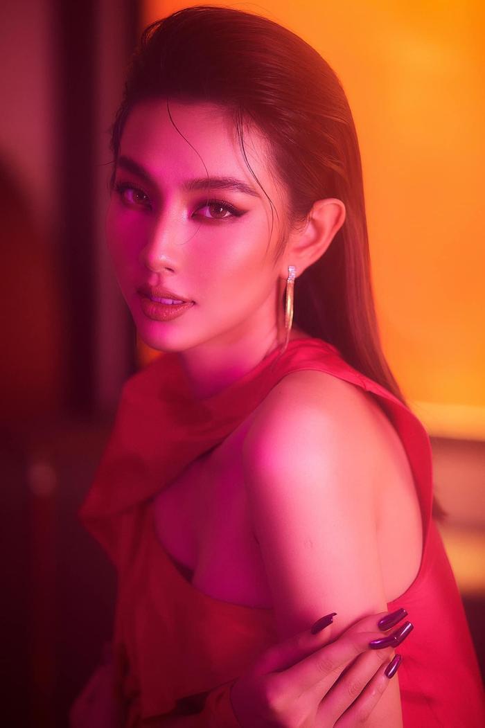 Đại diện Việt Nam - Thùy Tiên được dự đoán lọt Top 7 Miss Grand International 2021 Ảnh 9