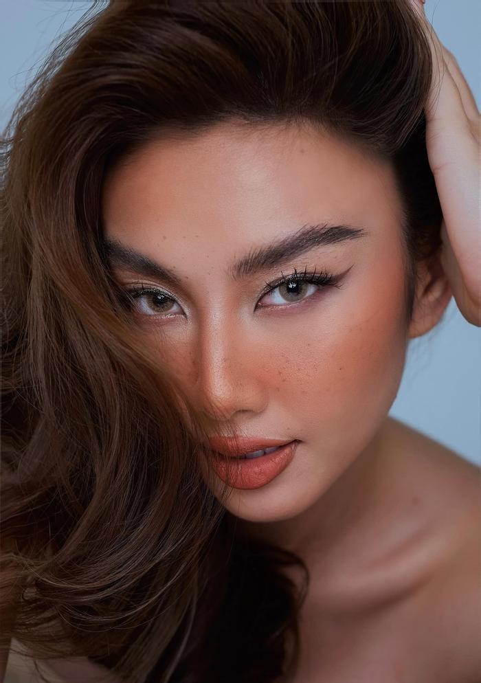 Đại diện Việt Nam - Thùy Tiên được dự đoán lọt Top 7 Miss Grand International 2021 Ảnh 8