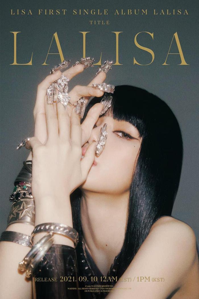 Lisa (BlackPink) cực 'bén', khoe thần thái sang chảnh trong ca khúc solo mới