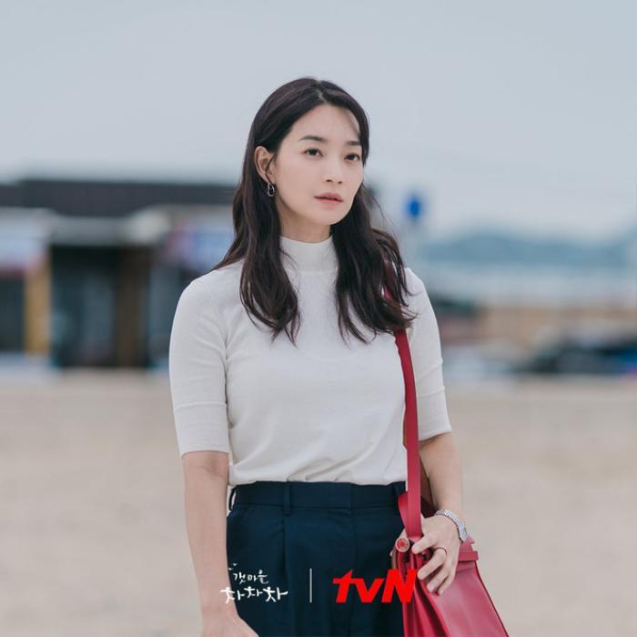 4 lý do khiến các mọt phim Hàn 'đổ đứ đừ' trước 'Hometown Cha-Cha-Cha' Ảnh 3