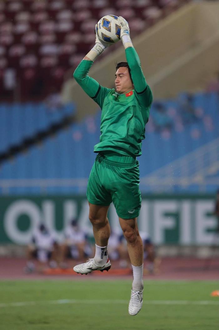 Thủ môn CLB Nam Định nêu quan điểm về bàn thua của Đặng Văn Lâm Ảnh 1