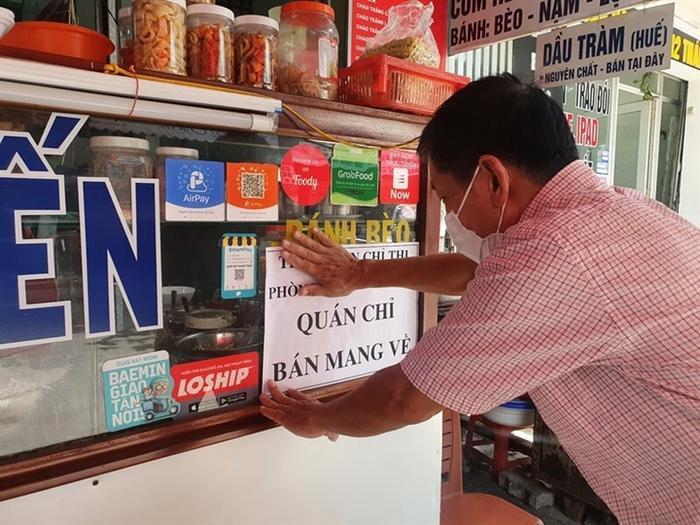 TP HCM cho phép hàng quán ăn được mở bán mang về Ảnh 1