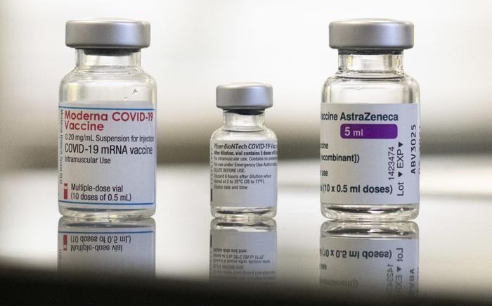 Khi nào nên tiêm trộn vaccine và nó có ý nghĩa ra sao trong việc nhanh chấm dứt đại dịch Covid-19?